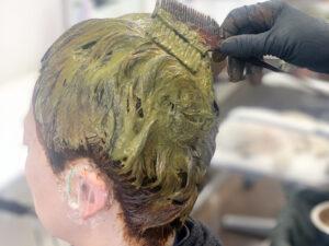 カラー中の頭の写真